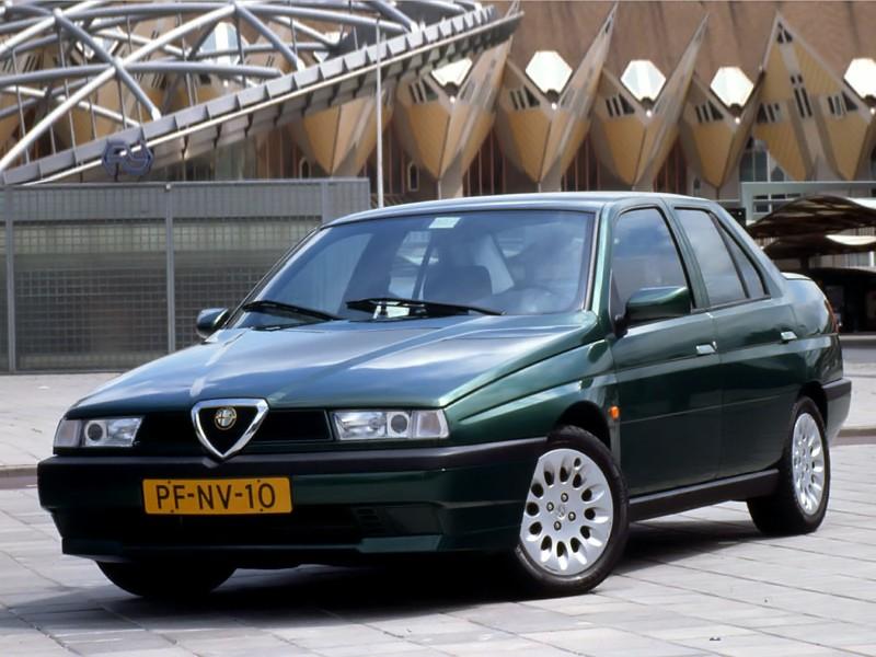 Alfa Romeo 155 I Restyling 1995 - 1997 Sedan #1