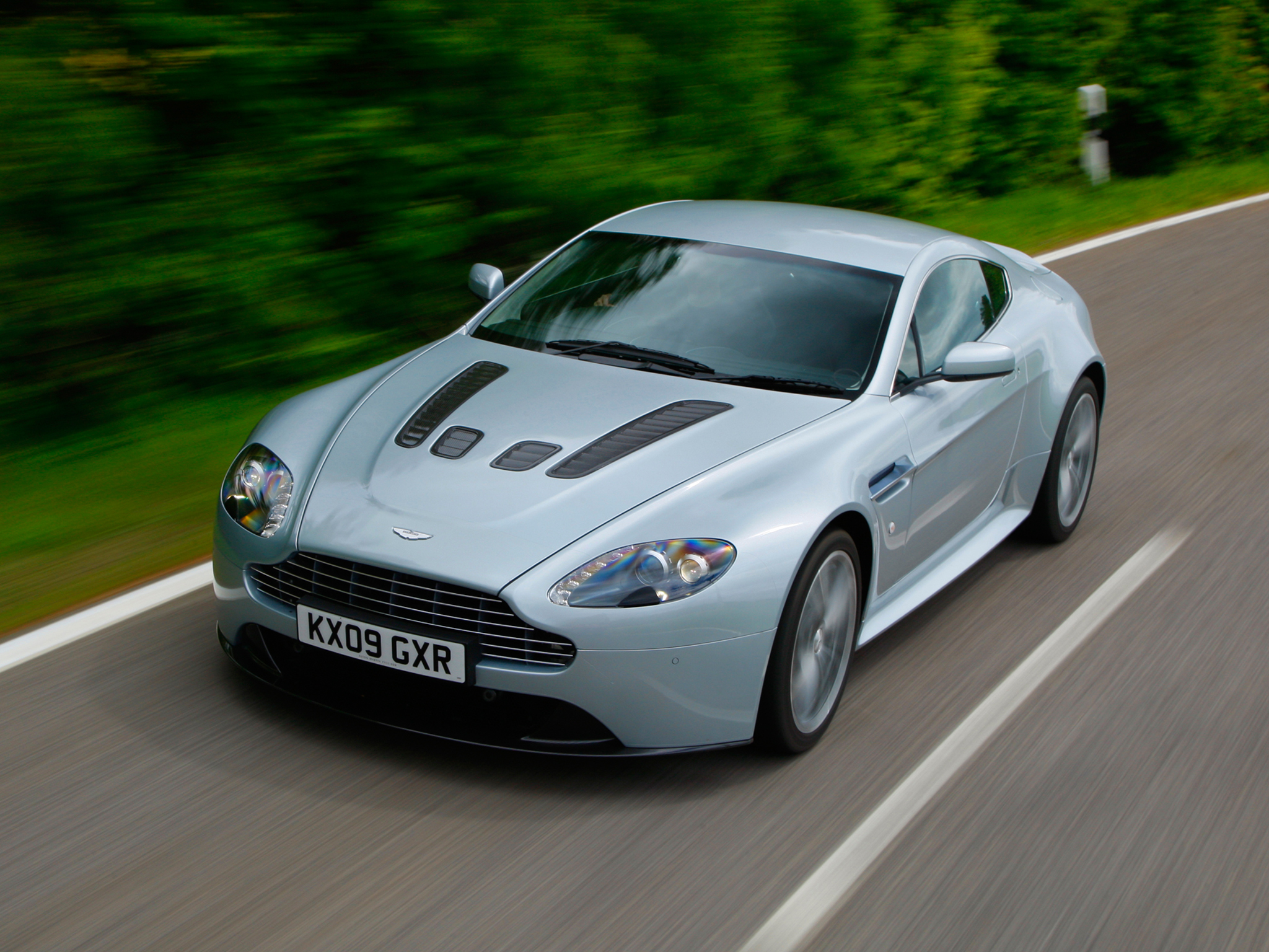 Aston Martin V12 Vantage 2009 - now Coupe #2