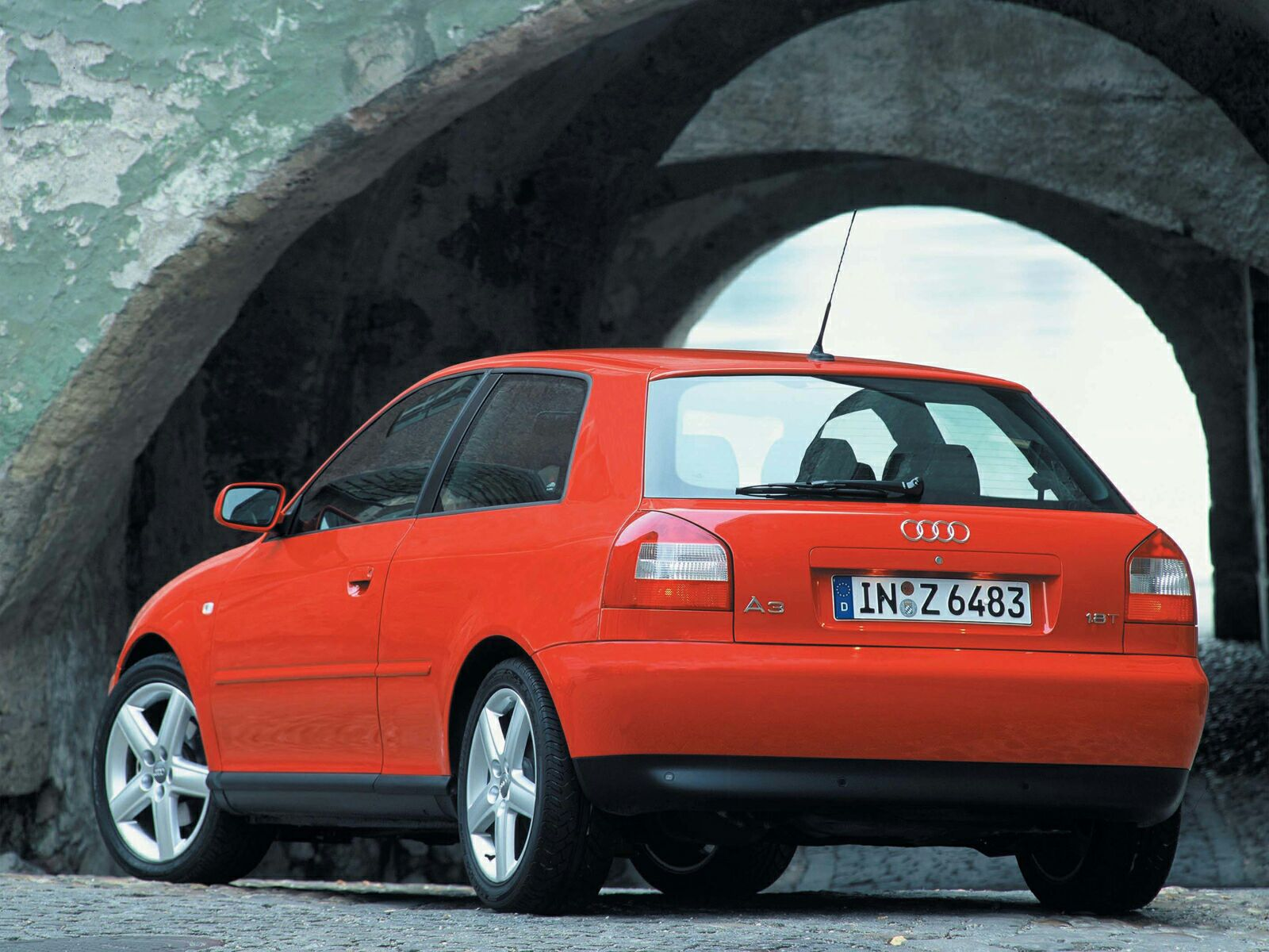 Audi A3 I (8L) 1996 - 2000 Hatchback 3 door #3