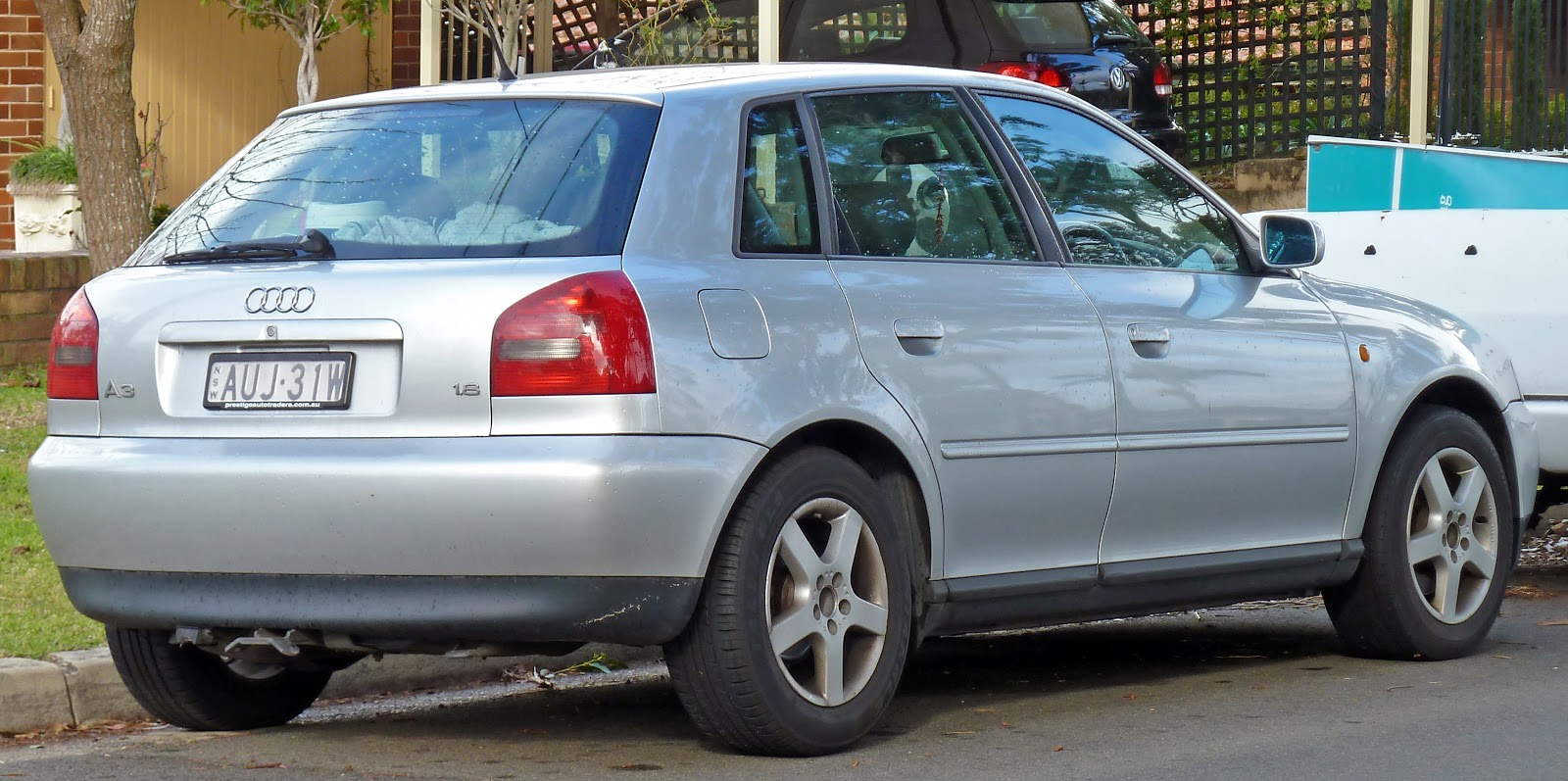Audi A3 I (8L) 1996 - 2000 Hatchback 3 door #1