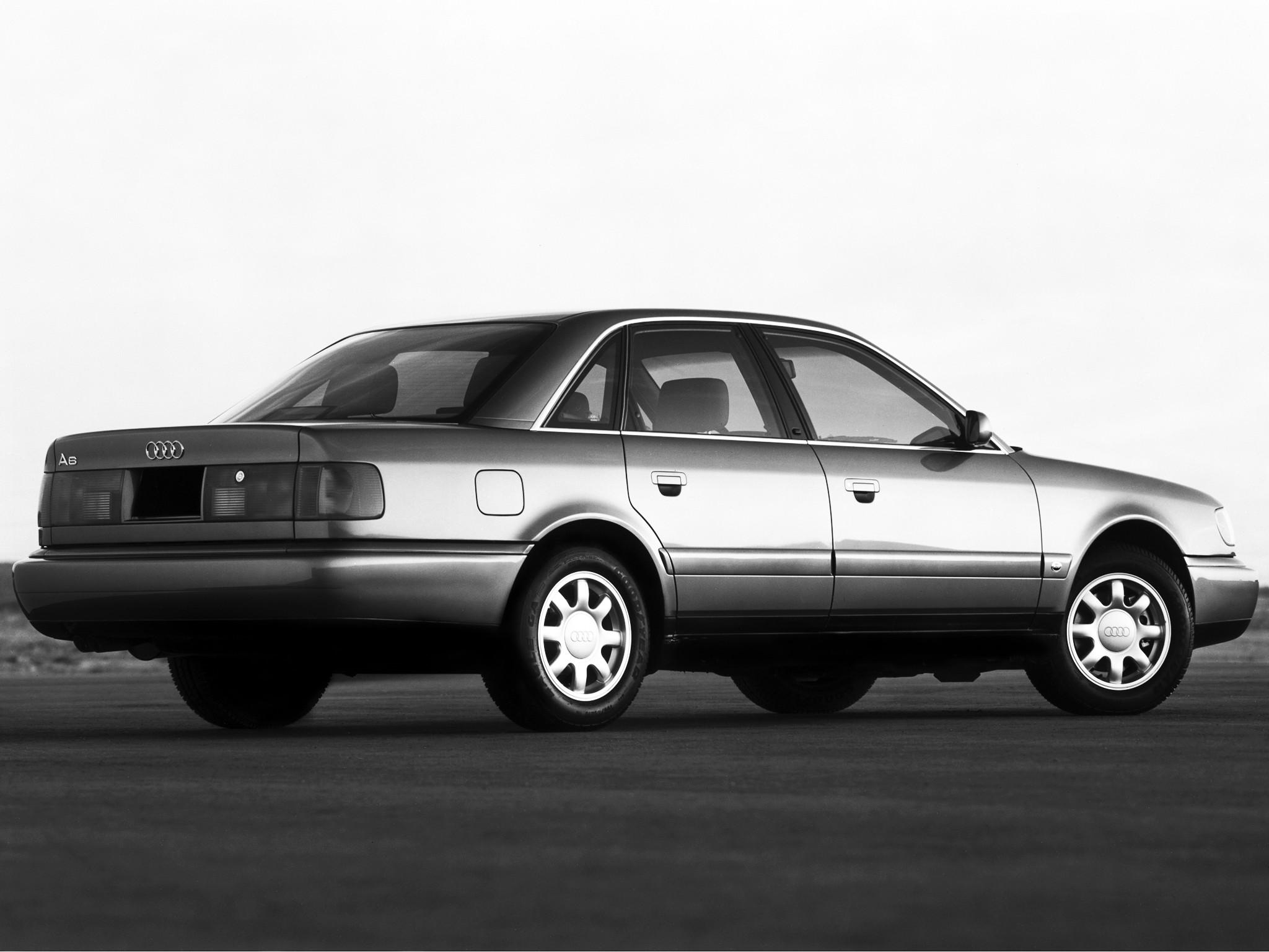 Audi A6 I (C4) 1994 - 1997 Sedan #3