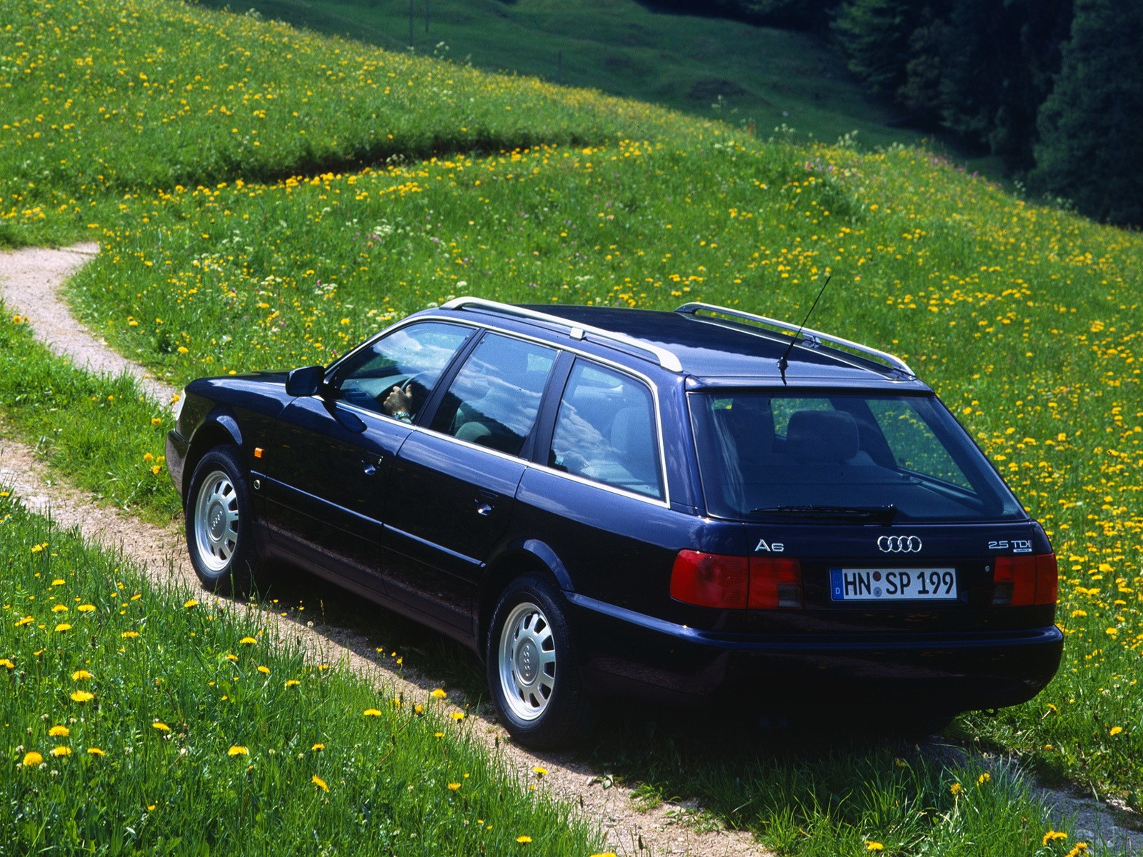 Audi A6 I (C4) 1994 - 1997 Sedan #1