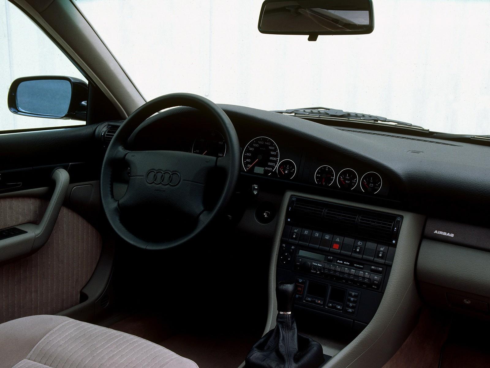 Audi A6 I (C4) 1994 - 1997 Sedan #6
