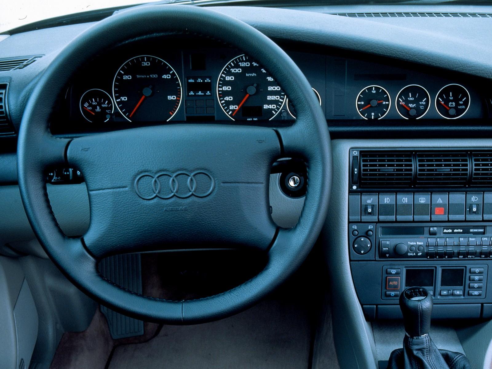 Audi A6 I (C4) 1994 - 1997 Sedan #7
