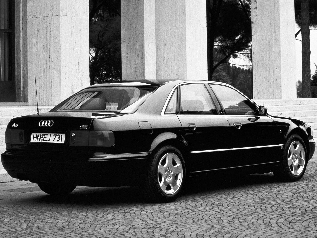Audi S8 I (D2) 1996 - 1999 Sedan #6