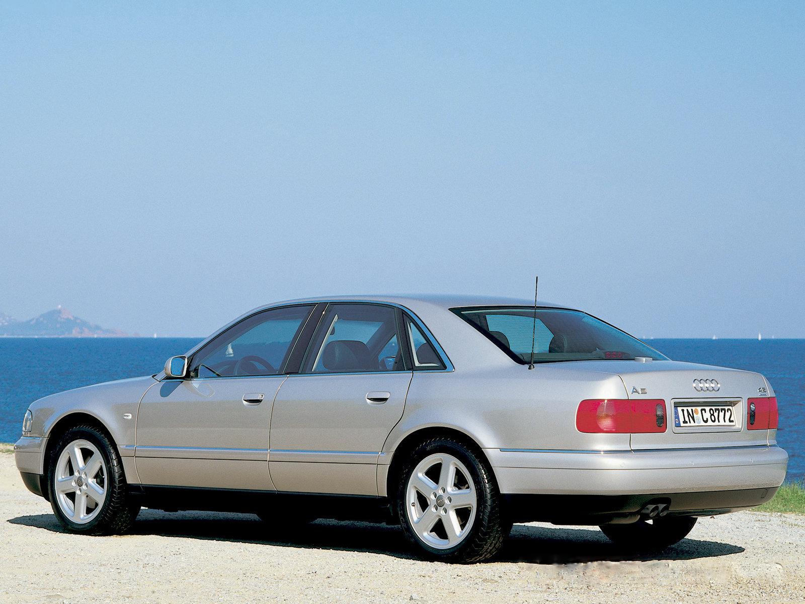 Kelebihan Audi S8 1998 Review