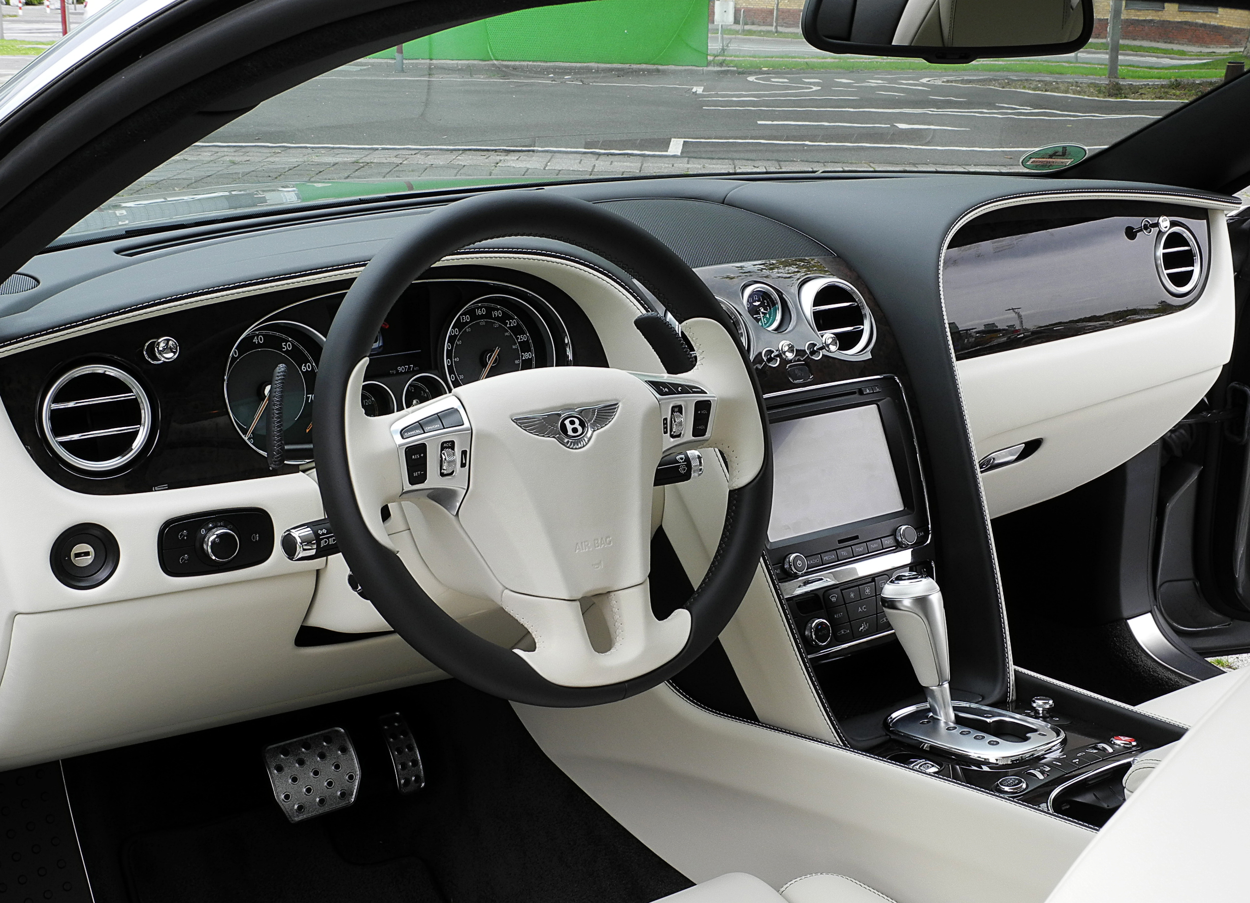 Bentley Continental Gt Ii 2011 2015 Coupe Outstanding Cars