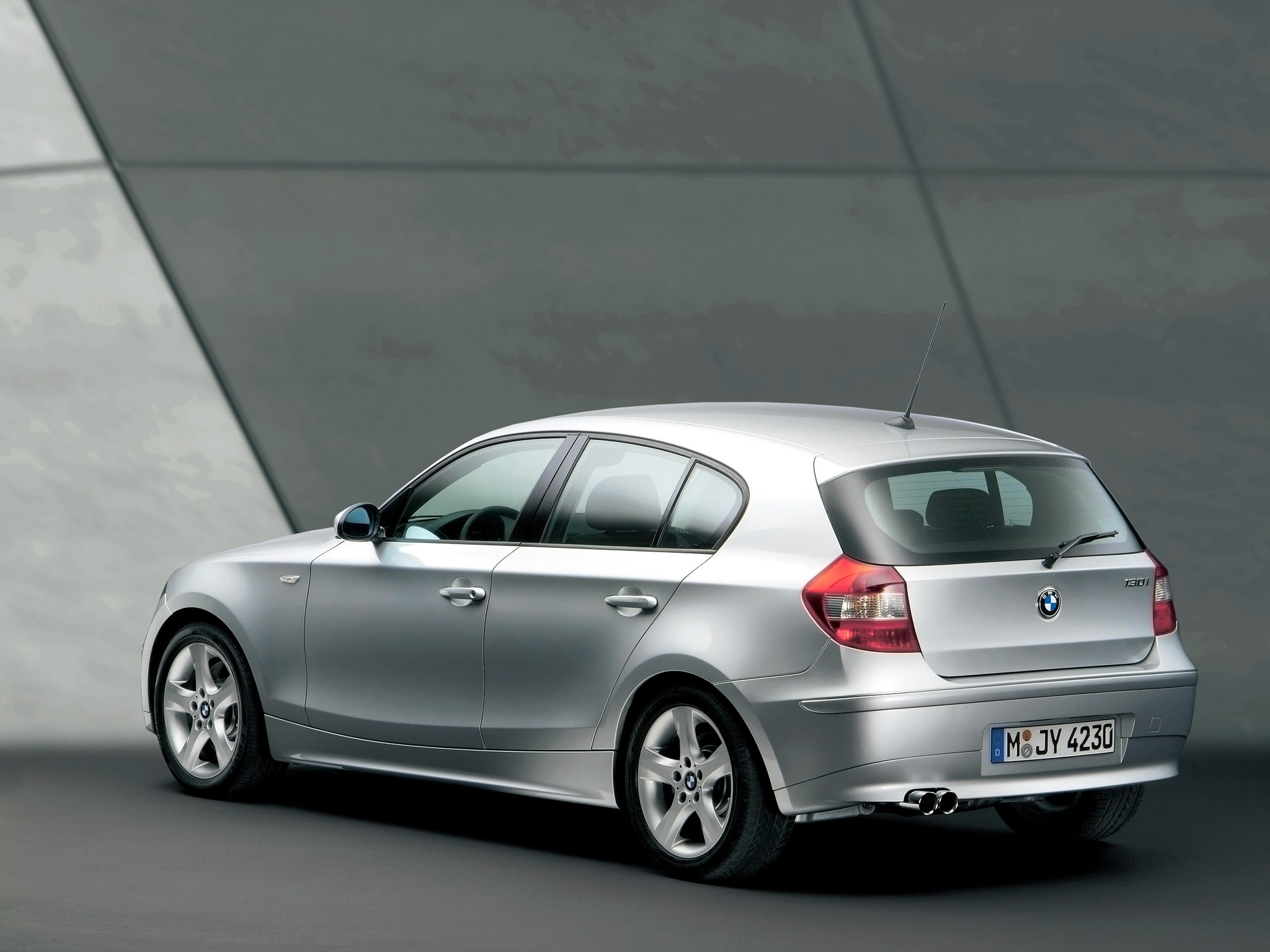 BMW 1 Series I (E81/E82/E87/E88) 2004 - 2007 Hatchback 5 door #7
