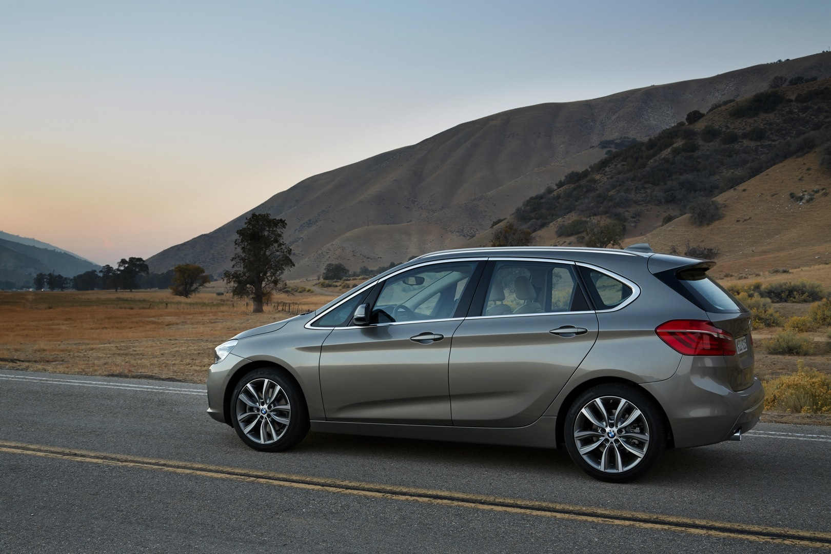 BMW 2 Series Active Tourer F45 2014 - now Compact MPV #4