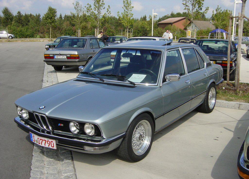 BMW 5 Series I (E12) 1972 - 1976 Sedan #8