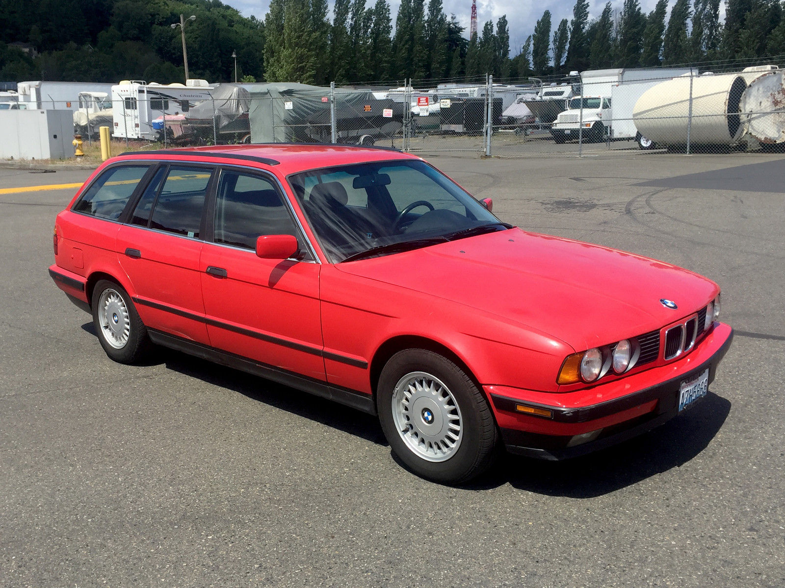 bmw 5 series iii e34 1988 1996 station wagon 5 door outstanding cars. Black Bedroom Furniture Sets. Home Design Ideas