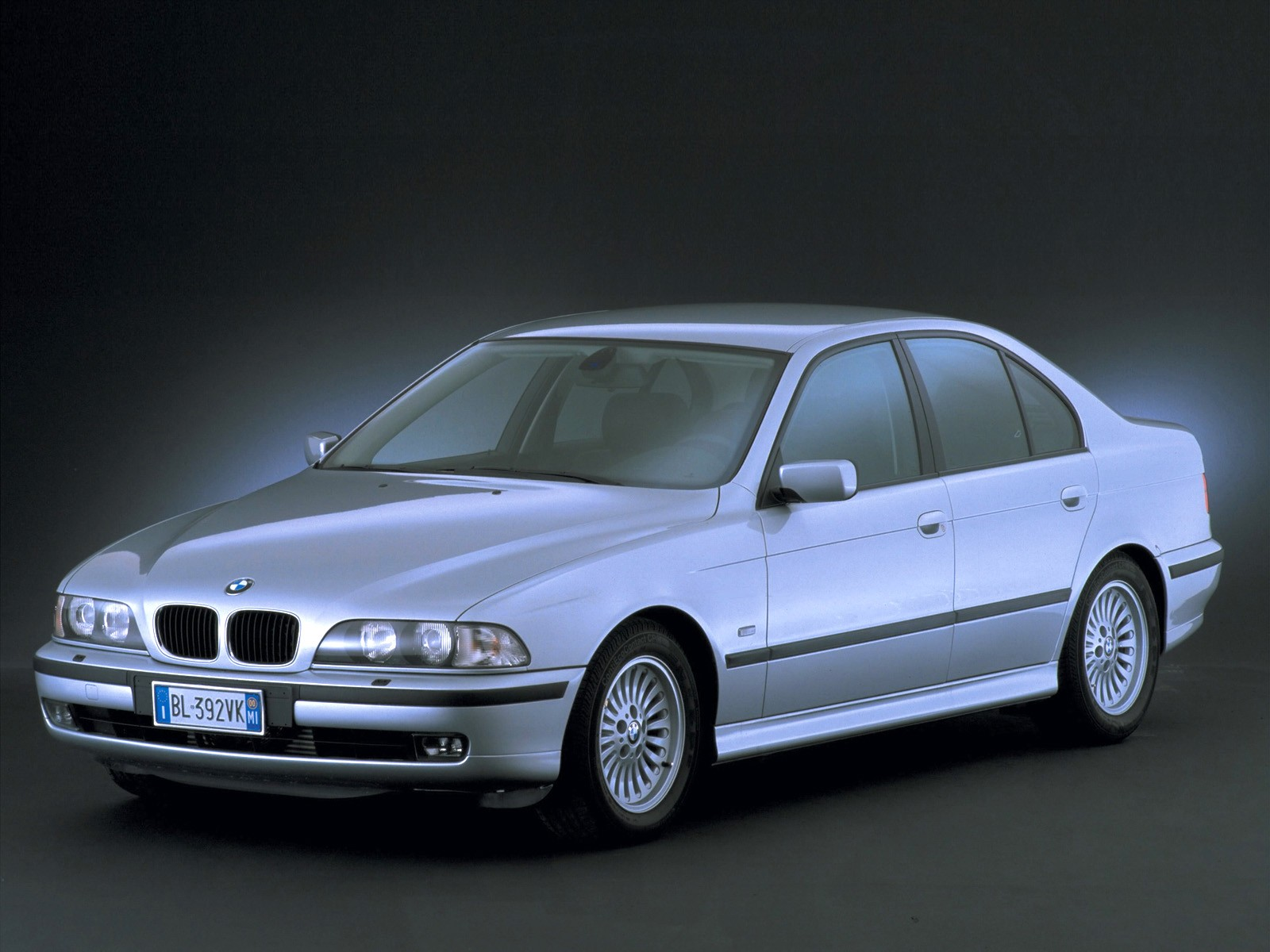Bmw 5 Series Iv E39 Restyling 2000 2004 Station Wagon 5 Door Outstanding Cars