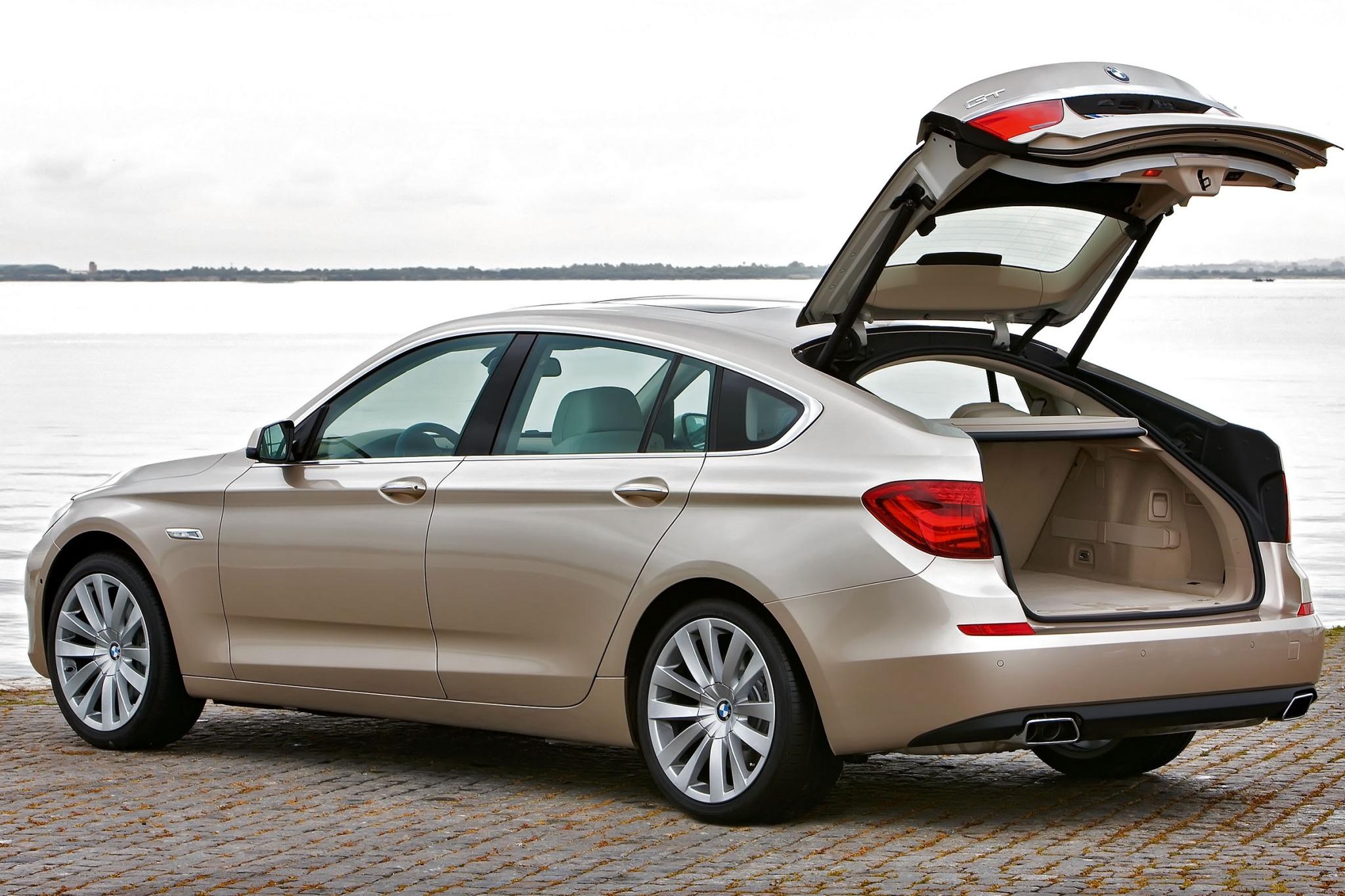 BMW 5 Series VI (F10/F11/F07) Restyling 2013 - now Hatchback 5 door #1