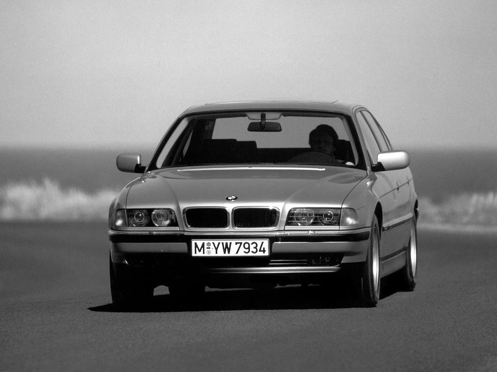 BMW 7 Series III (E38) 1994 - 1998 Sedan #2