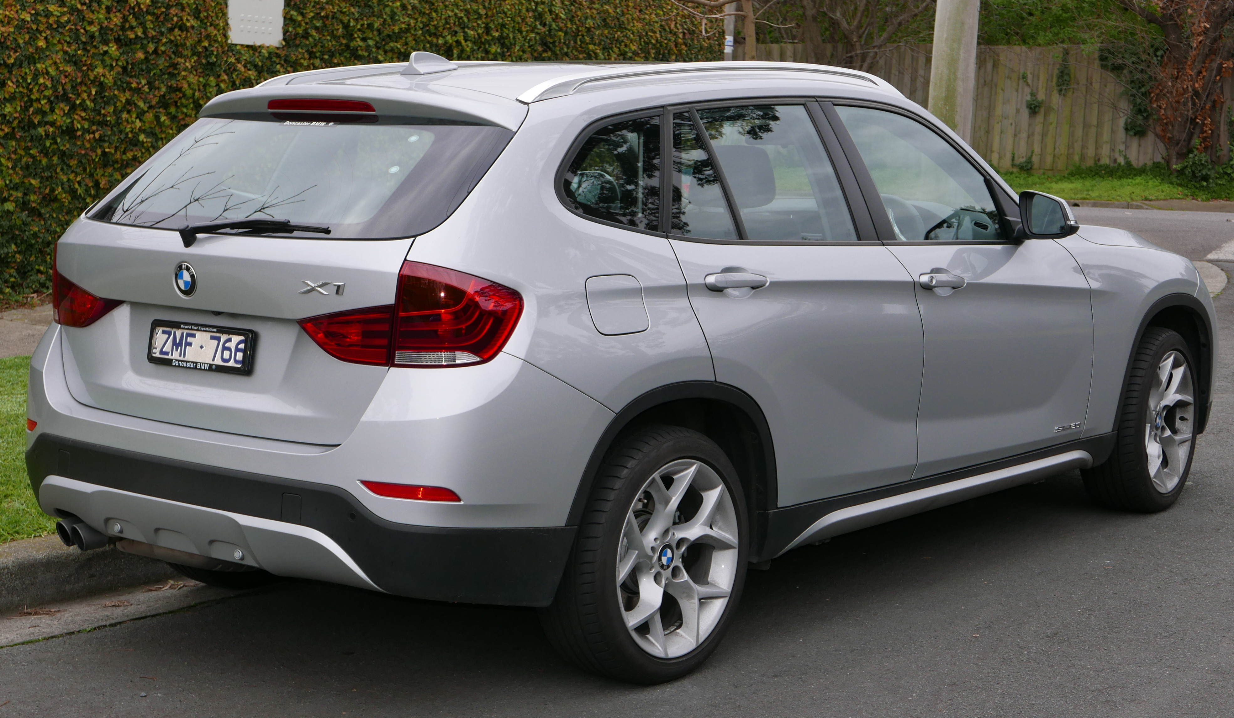 BMW X1 I (E84) 2009 - 2012 SUV 5 door #3