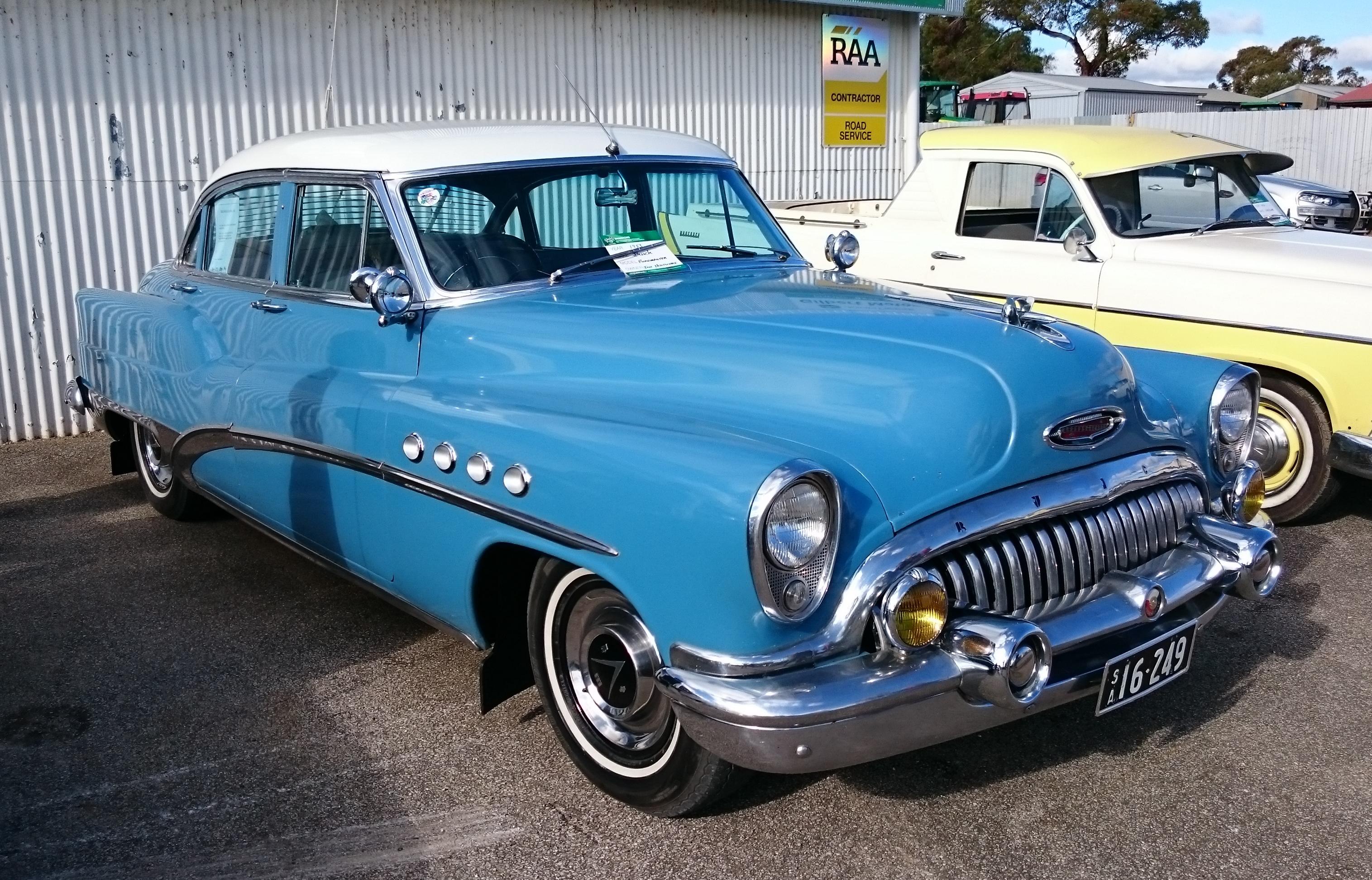 Buick Super 1942 - 1953 Sedan #4