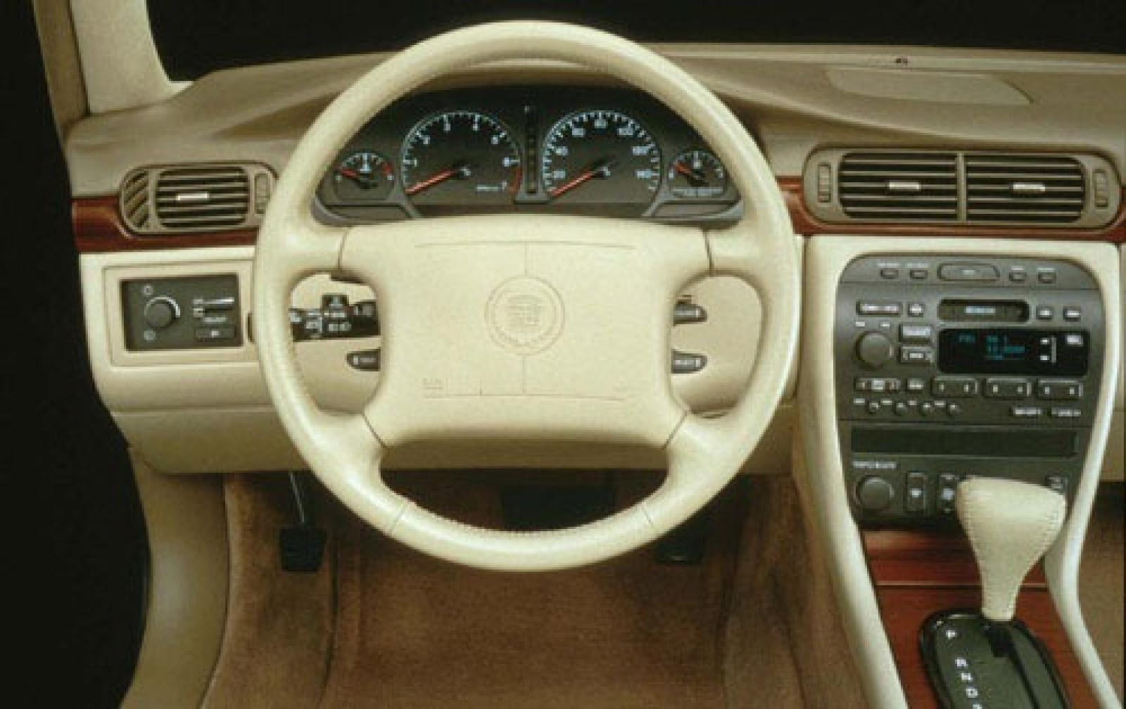 Cadillac DeVille VIII 1999 - 2005 Sedan #2