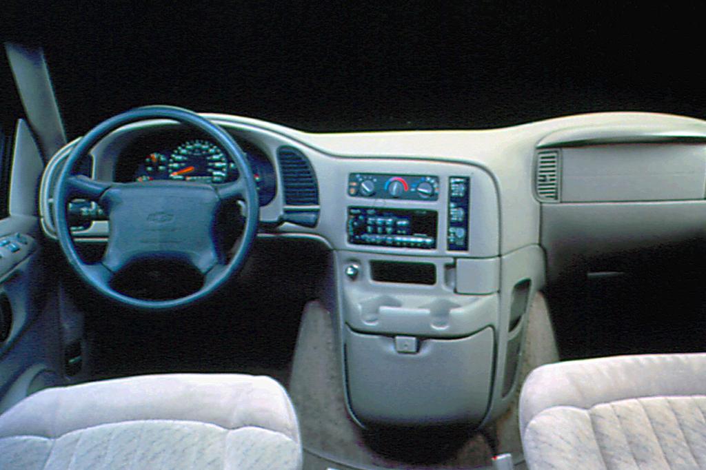 Chevrolet Astro 1985 - 2005 Minivan #3