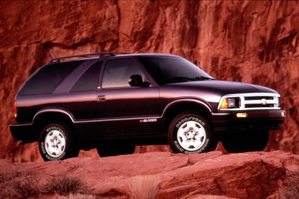 Chevrolet Blazer II Restyling 1997 - 2005 SUV 3 door #7