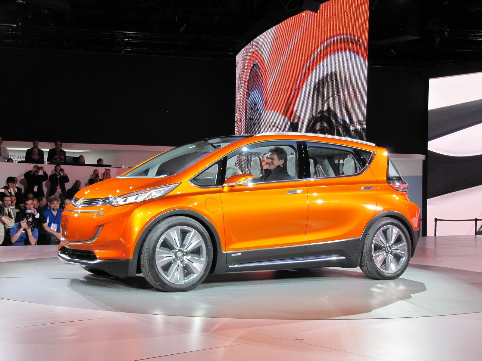Chevrolet Bolt 2016 Now Hatchback 5 Door Outstanding Cars