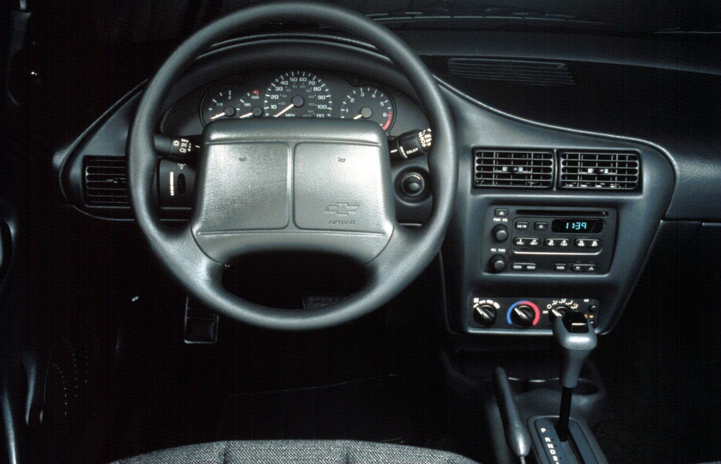 Chevrolet Cavalier III 1995 - 2005 Sedan #6