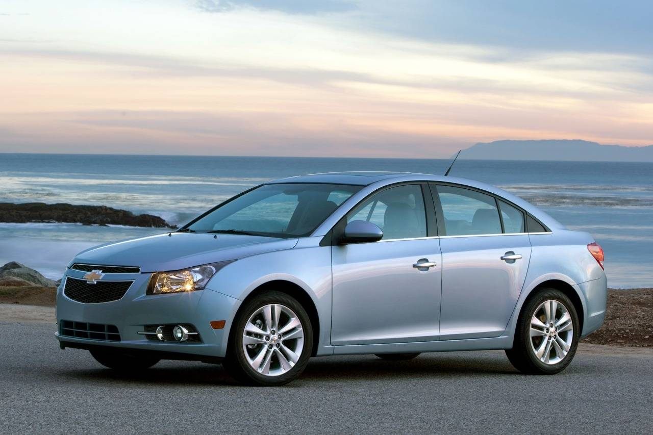 chevrolet cruze ii 2015 now hatchback 5 door outstanding cars. Black Bedroom Furniture Sets. Home Design Ideas