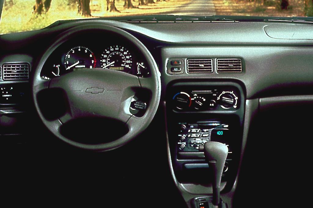 Chevrolet Prizm 1997 - 2002 Sedan #3
