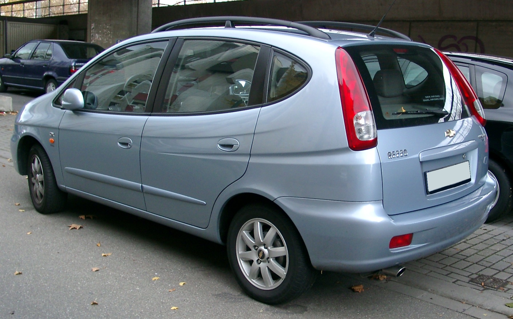 Chevrolet Rezzo 2000 - 2008 Compact MPV #7