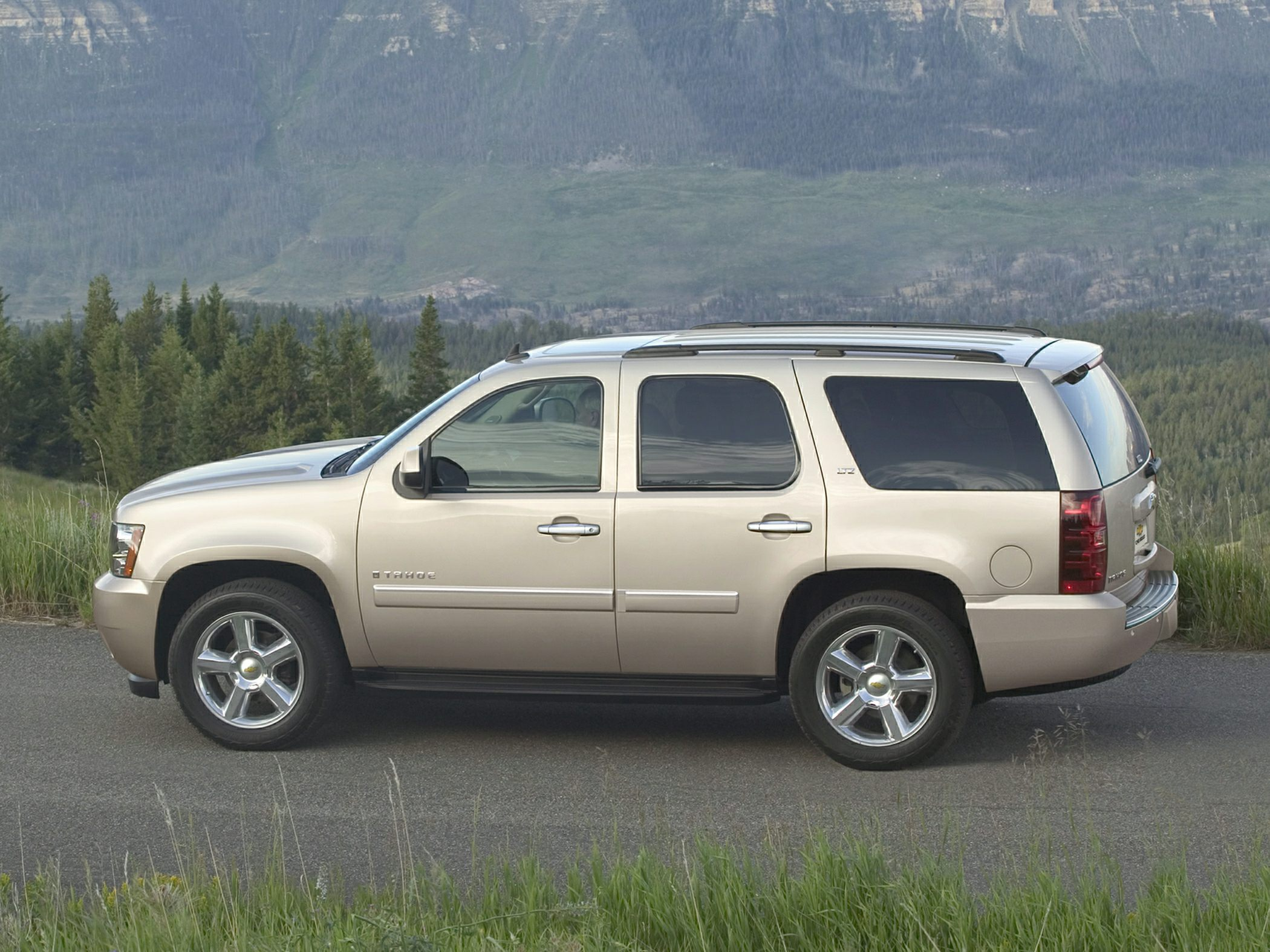 Chevrolet Tahoe IV 2014 - now SUV 5 door #3