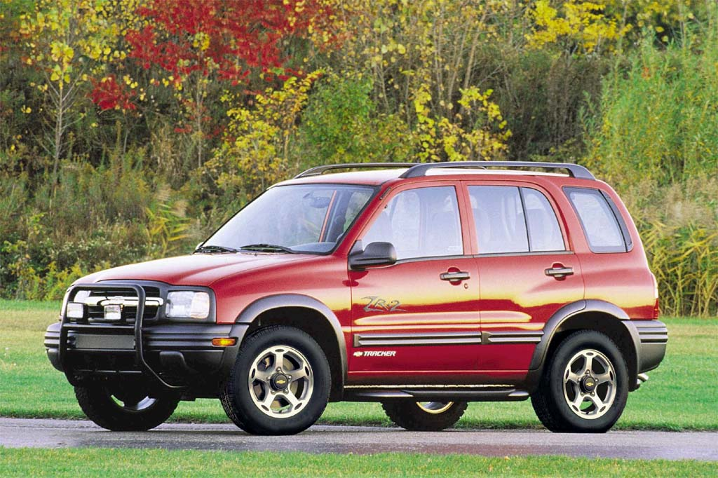 Chevrolet Tracker II 1998 - 2004 SUV 5 door #3