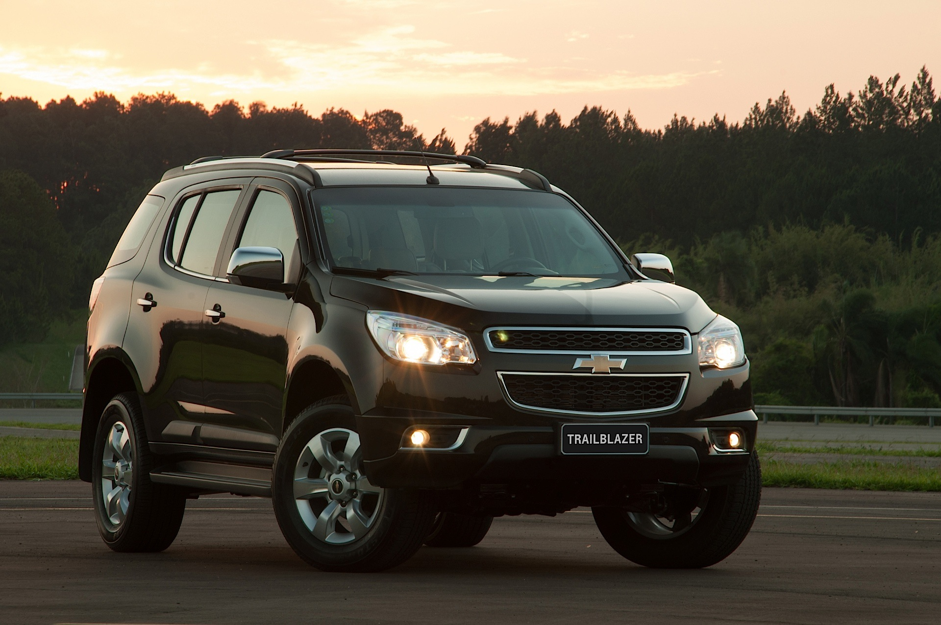 Chevrolet TrailBlazer II 2012 - 2016 SUV 5 door #7