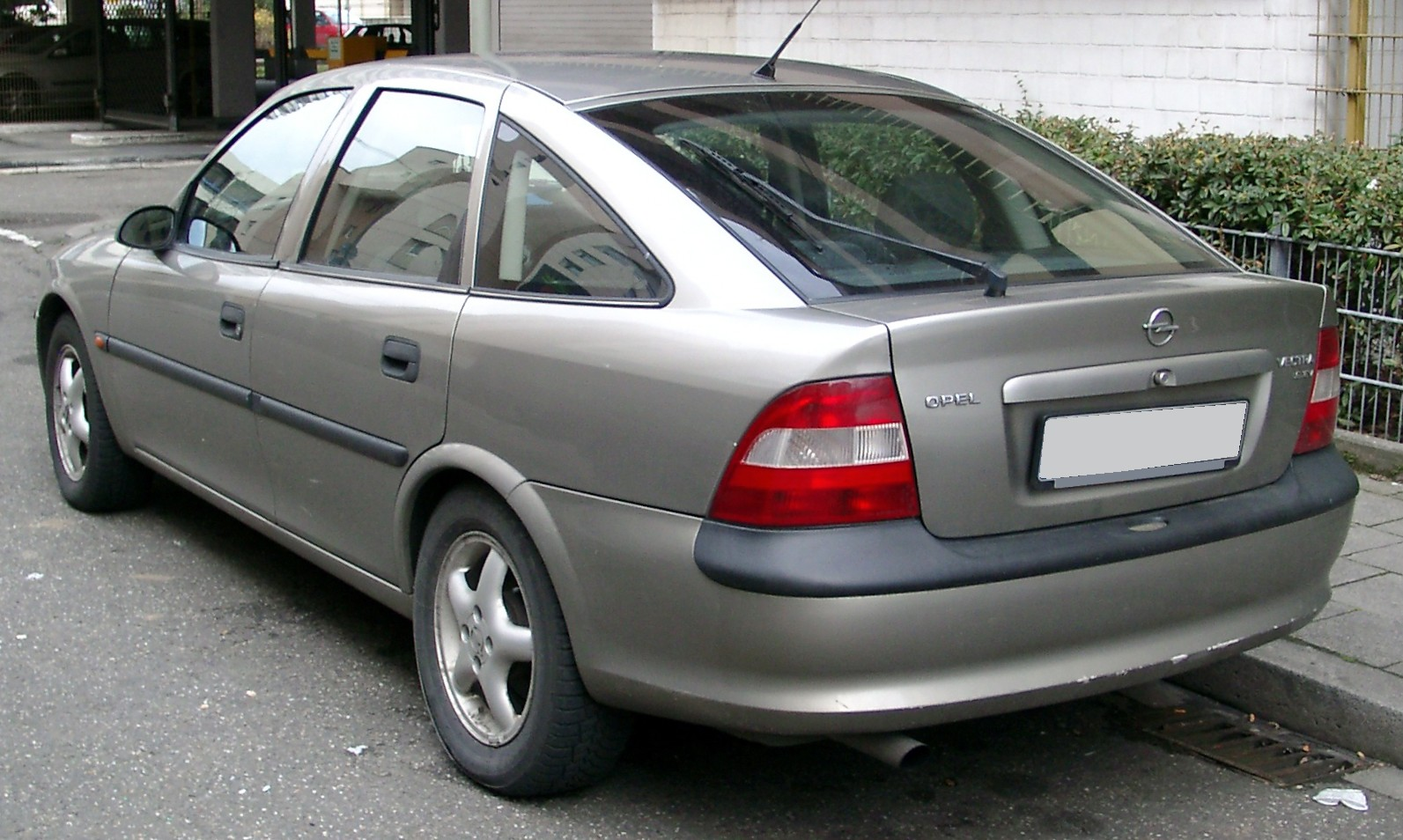 Holden Vectra 1998 - 2001 Hatchback 5 door #4