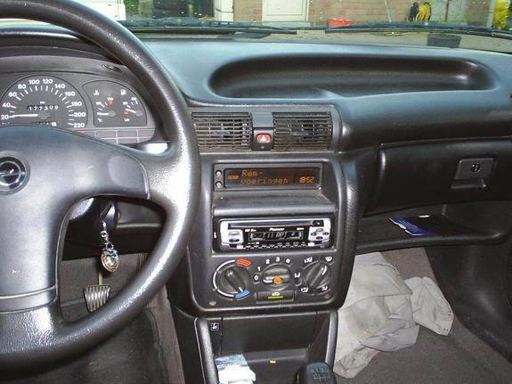 Chevrolet Vectra I 1993 - 1996 Sedan #5