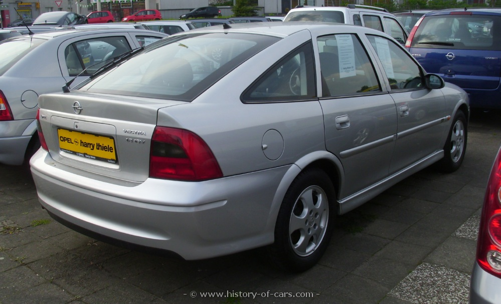Vauxhall vectra b  hatchback door outstanding cars