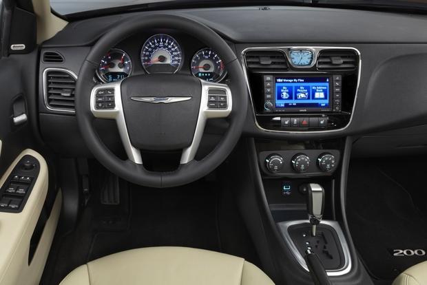 Chrysler 200 I 2011 - 2014 Sedan #7