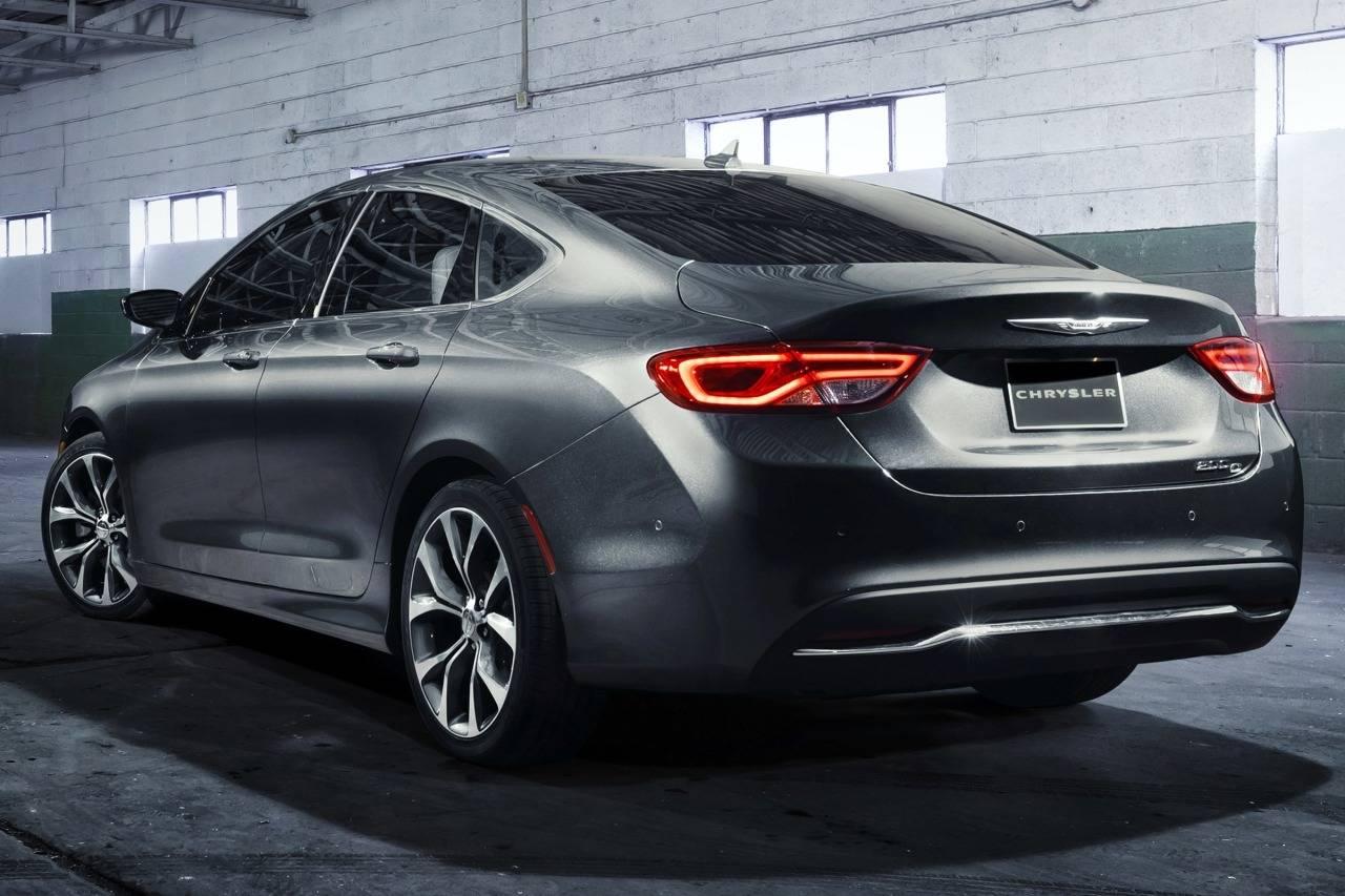 Chrysler 200 II 2014 - 2016 Sedan #3