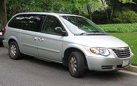 Chrysler Town & Country IV Restyling 2004 - 2007 Minivan #7