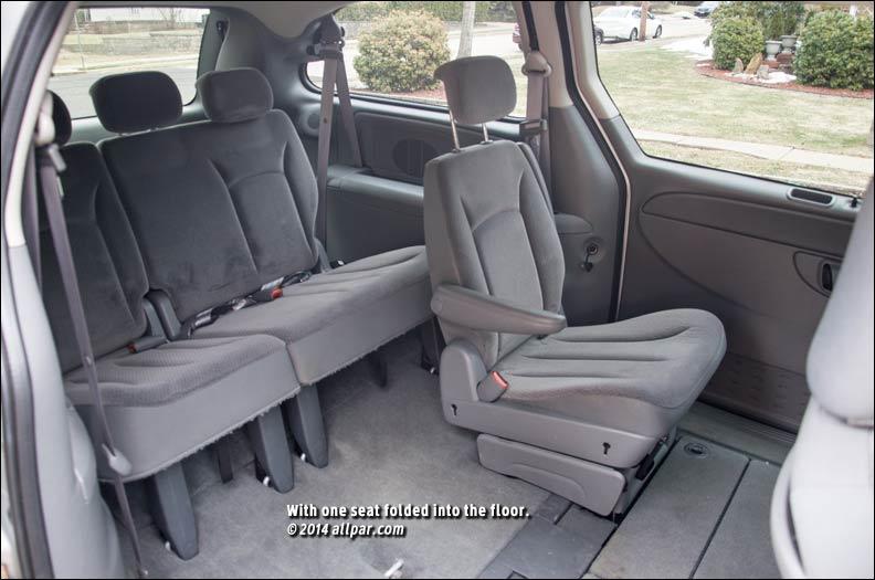 Chrysler Voyager III 1995 - 2001 Minivan #7