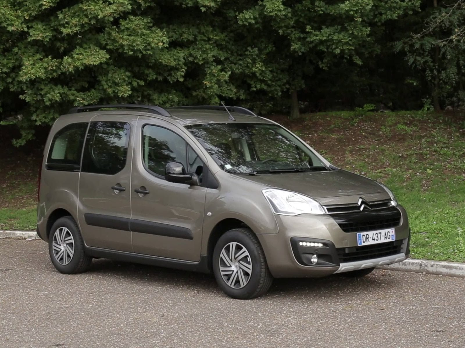 Citroen Berlingo II Restyling 2 2015 - now Compact MPV #3