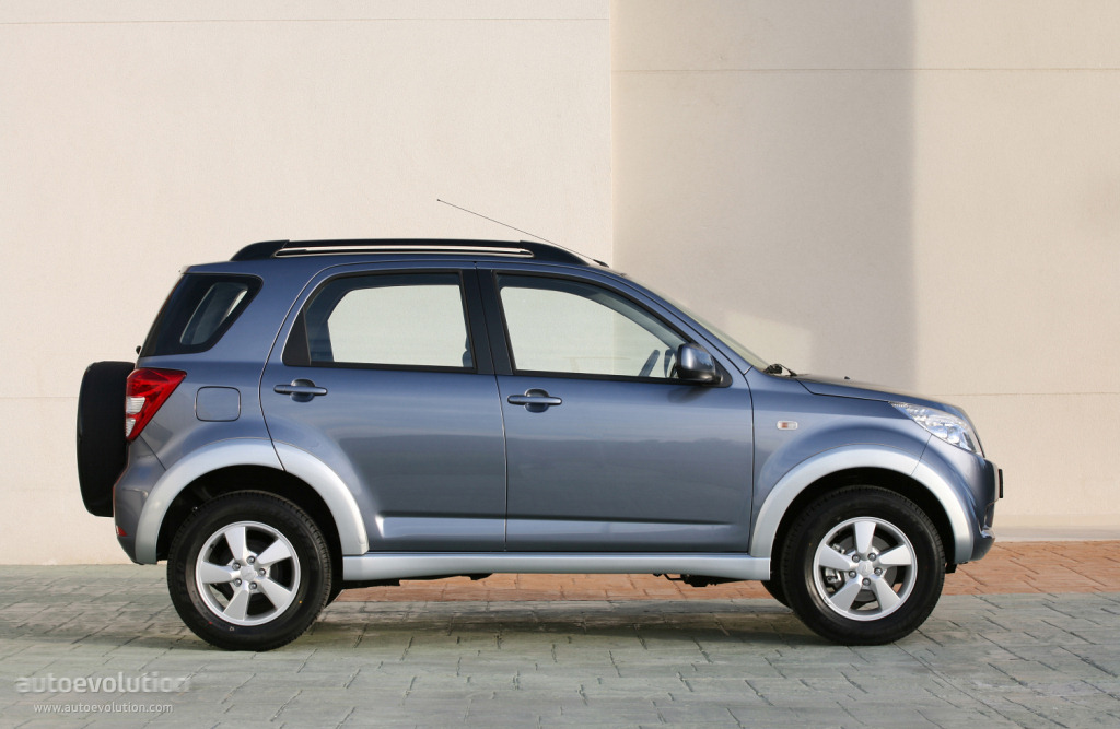 Daihatsu Terios I 1997 - 2012 SUV 5 door #2