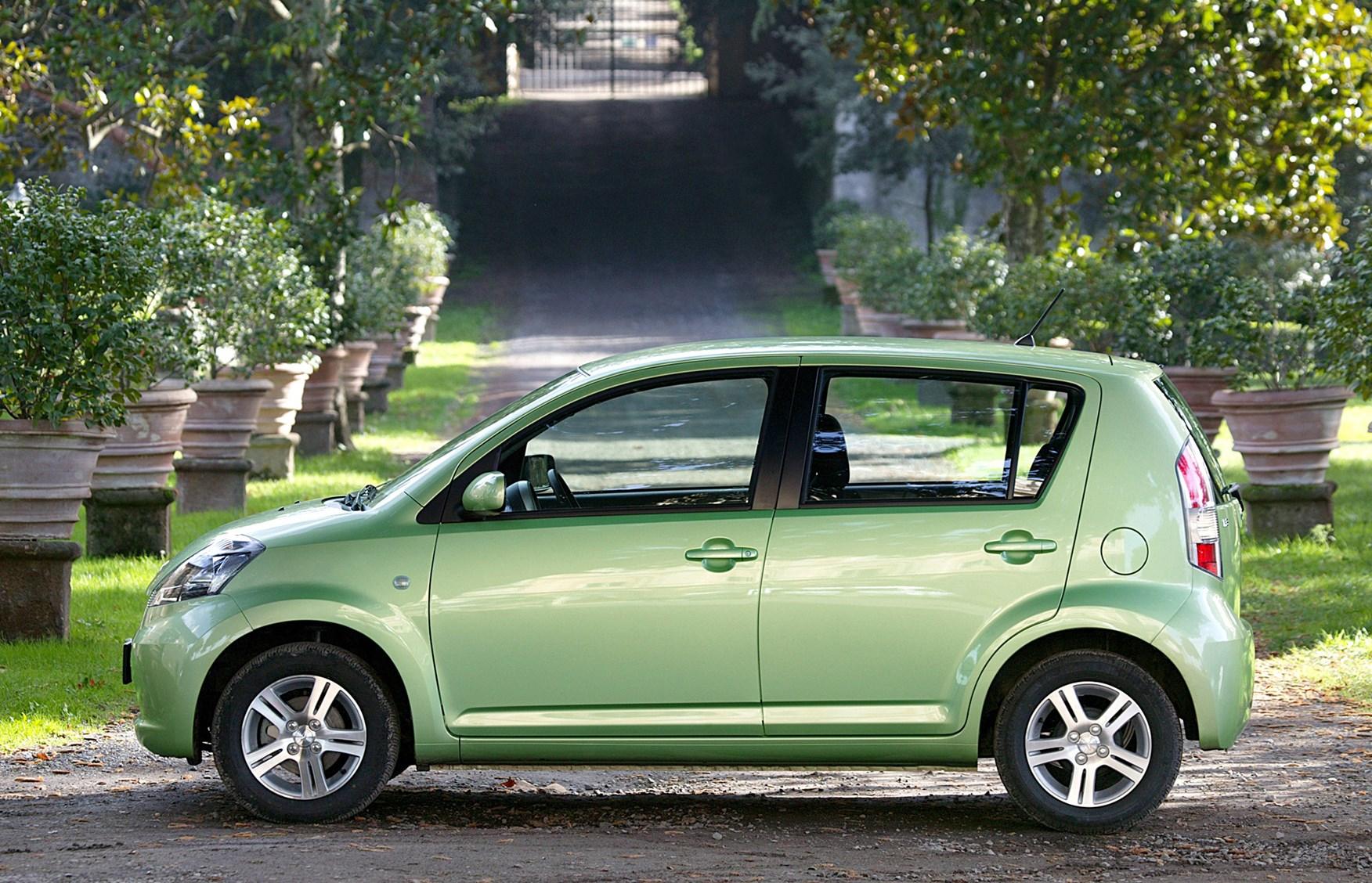 Daihatsu Materia 2006 - 2013 Hatchback 5 door #1