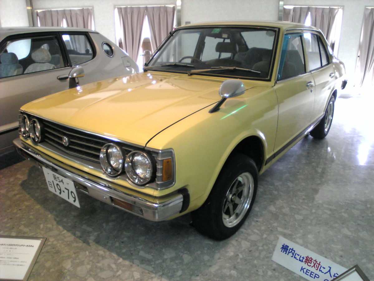 Daihatsu Charmant 1981 - 1987 Sedan #3