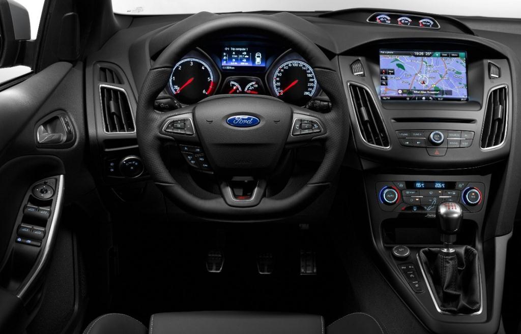Ford Focus ST III Restyling 2015 - now Hatchback 5 door #8