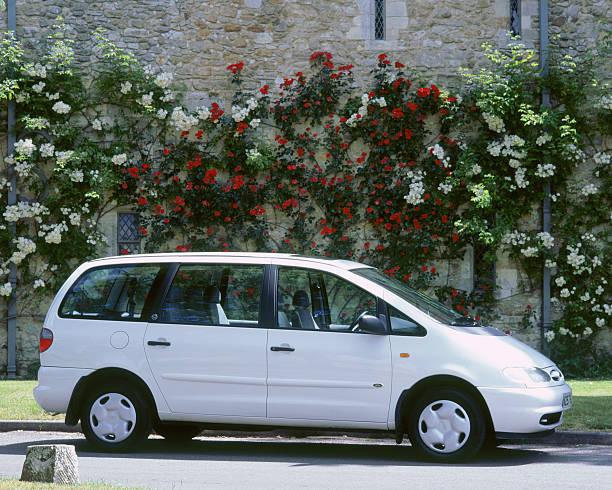 Ford Galaxy I 1995 - 2000 Minivan #1
