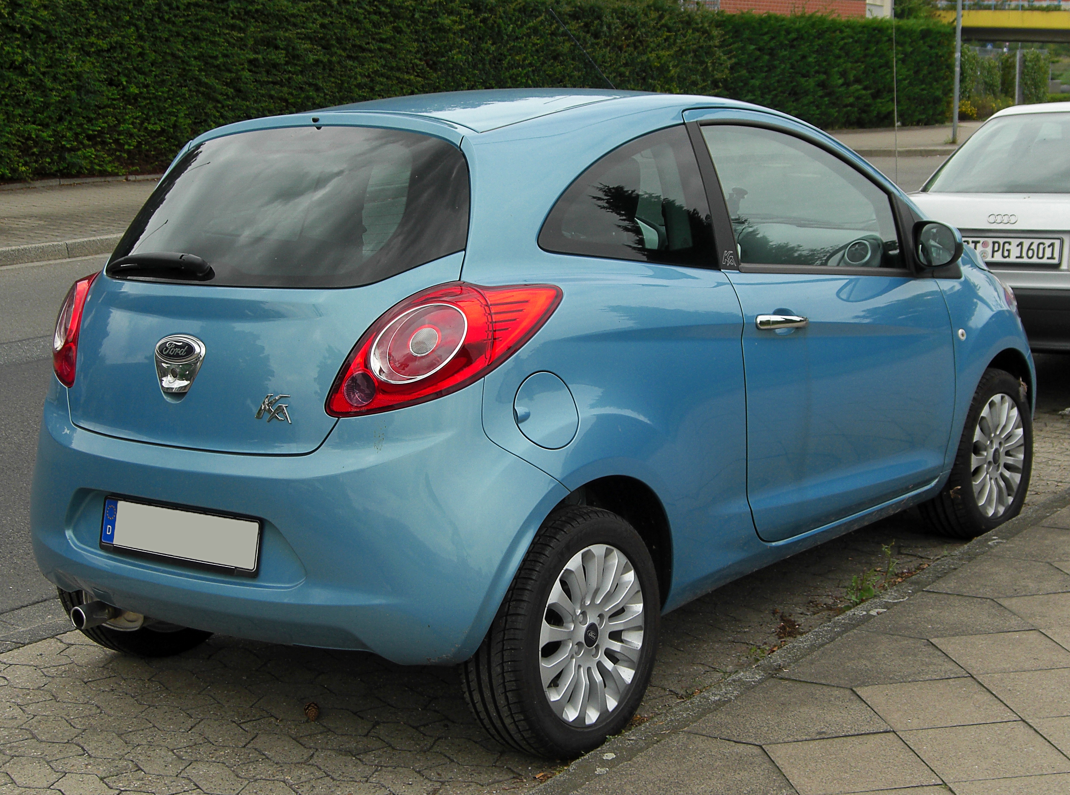 ford ka i 1996 2008 cabriolet outstanding cars. Black Bedroom Furniture Sets. Home Design Ideas