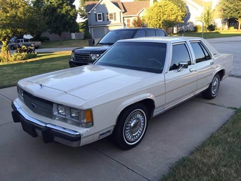 Ford LTD Crown Victoria 1983 - 1991 Sedan #8