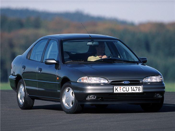 Ford Mondeo I 1993 - 1996 Liftback #2
