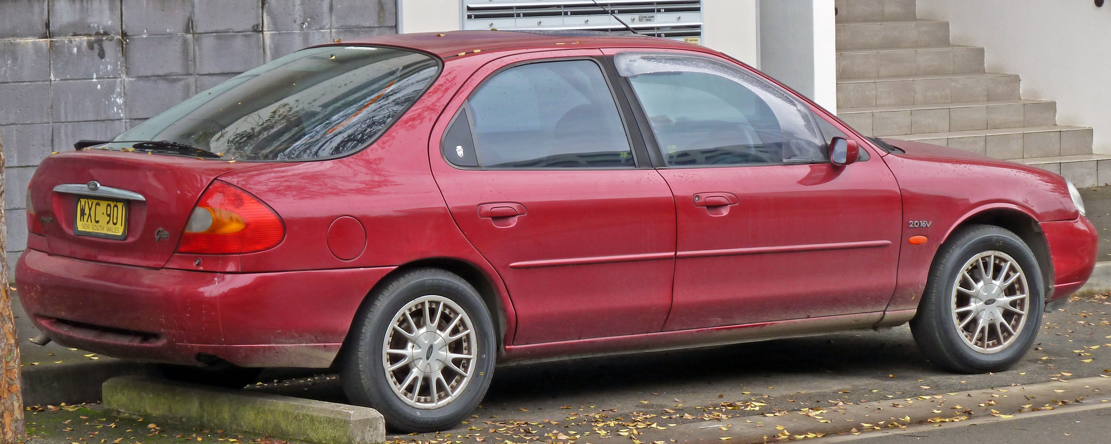 Ford Mondeo II 1996 - 2000 Liftback #4