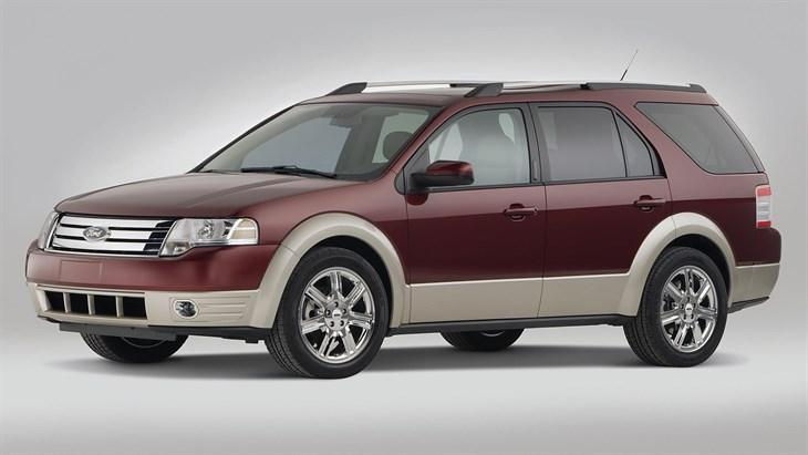 Ford Taurus X 2007 - 2009 SUV 5 door #4