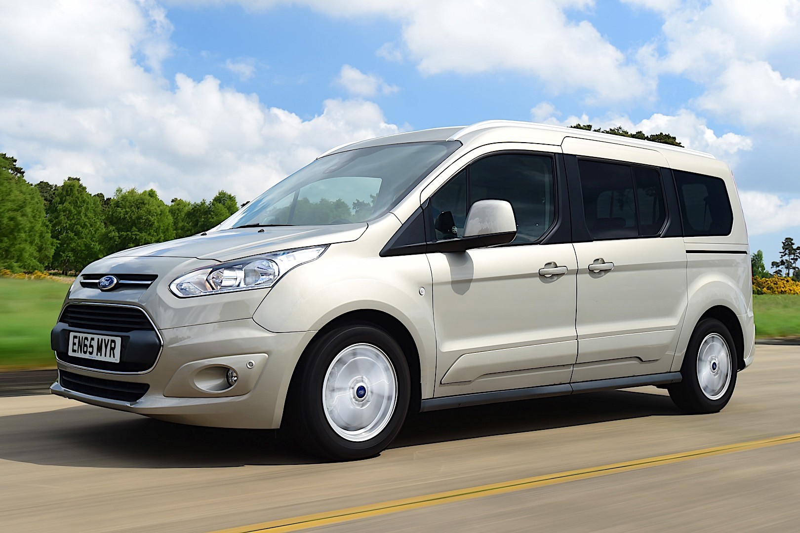 ford tourneo connect ii 2014 now compact mpv outstanding cars rh carsot com